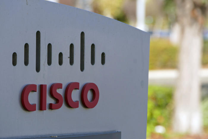 20151005-cisco-hq-sign4-100620988-orig-100696108-large