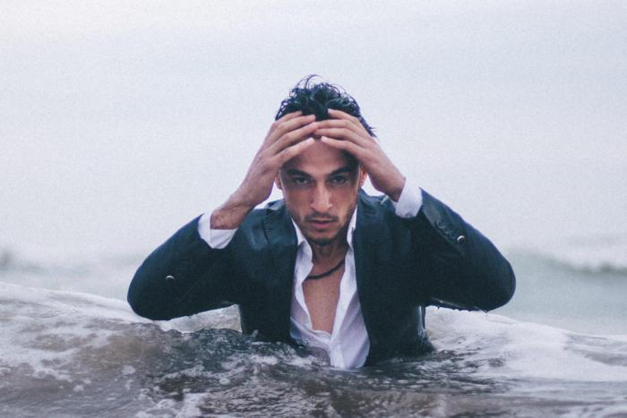 -drowning_scared_worried_sinking_failure_dread_mistake_mubariz-mehdizadeh-unsplash-100759451-large